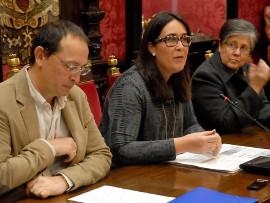 María Francés y Fernando Egea presentan el nuevo credibús para personas con discapacidad en Granada